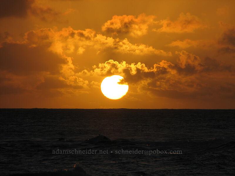 sunset [Baby Beach, Po'ipu, Kaua'i, Hawaii]