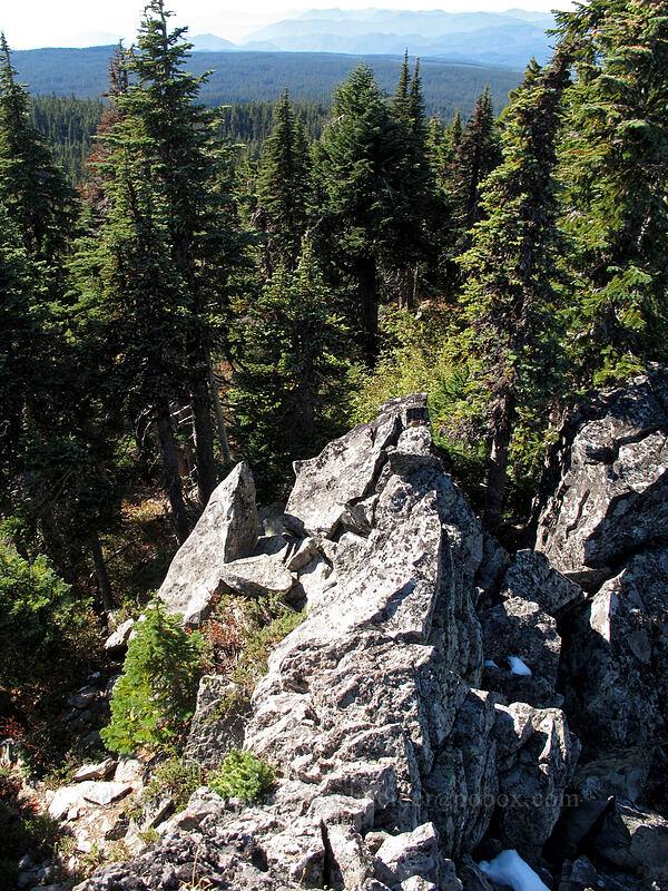 scrambly rocks on Peak 5618 [Bird Mountain, Peak 5618, Indian Heaven Wilderness, Washington]