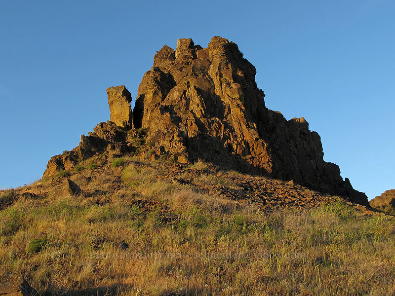 west end of Horsethief Butte [Horsethief Butte, Columbia Hills State Park, Washington]