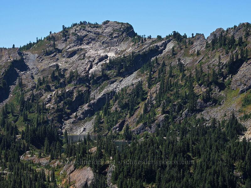 Rampart Ridge & Rampart Lakes [Rampart Ridge, Alpine Lakes Wilderness, Washington]