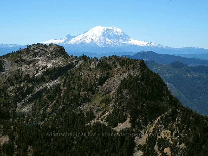 Mt. Rainier & Rampart Ridge [Alta Mountain, Alpine Lakes Wilderness, Washington]