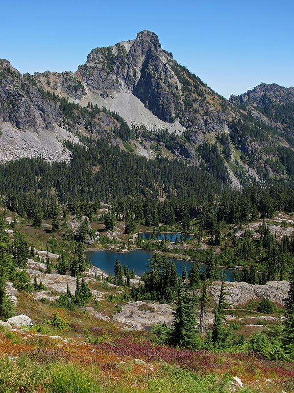 Hibox Mountain & Lila Lake [Rampart Ridge, Alpine Lakes Wilderness, Washington]