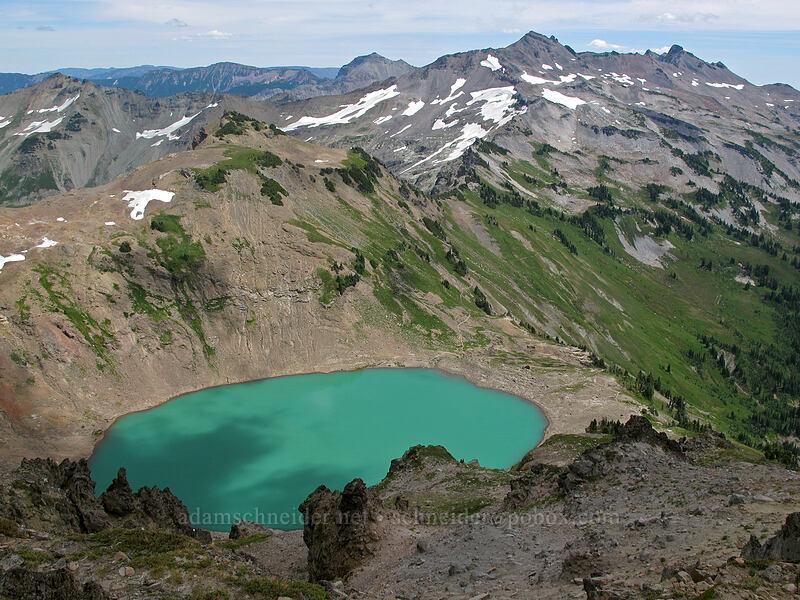 Goat Lake, Old Snowy, & Ives Peak [Hawkeye Point, Goat Rocks Wilderness, Washington]