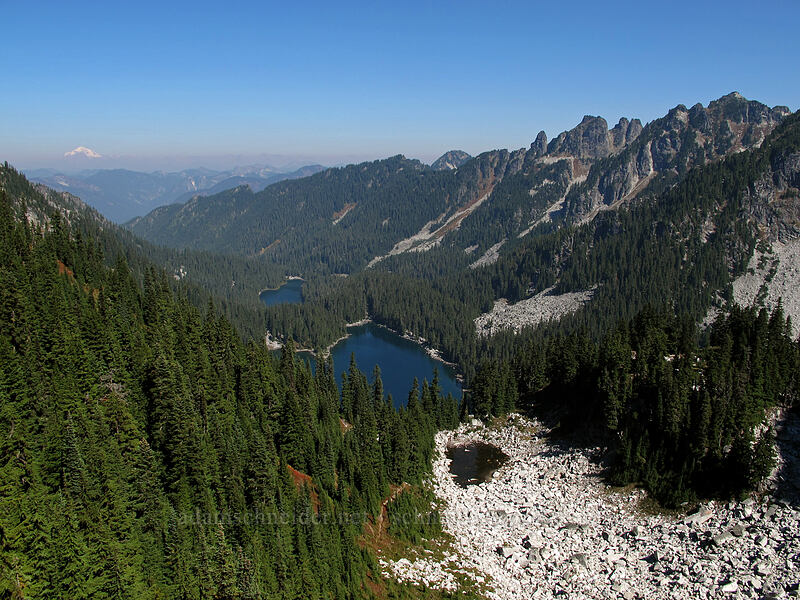 Surprise Valley [Surprise Mountain, Alpine Lakes Wilderness, Washington]