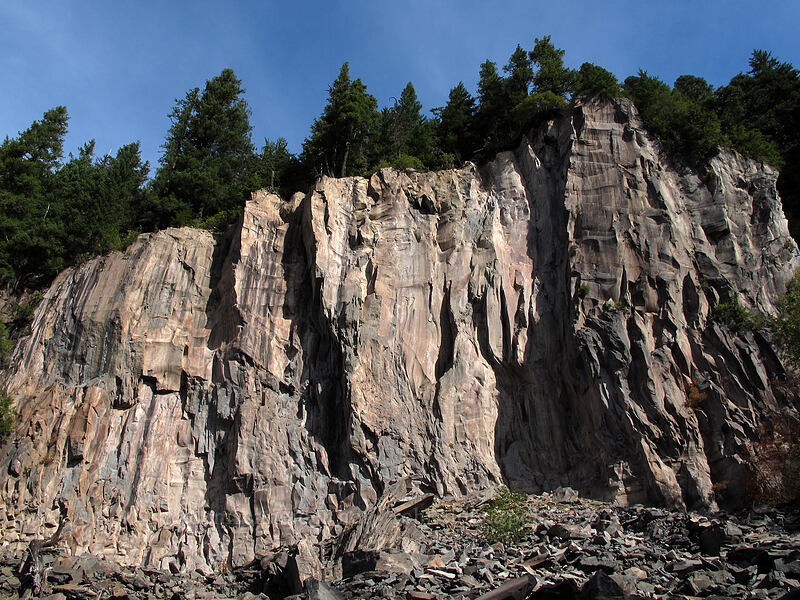 cliffs [Ramona Falls Trail, Mt. Hood Wilderness, Oregon]