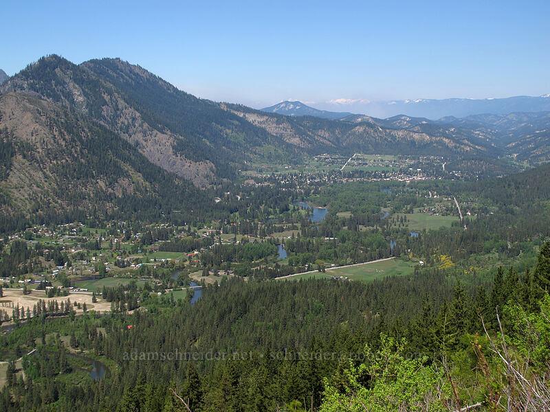 Icicle Creek Valley & Leavenworth [Rat Creek Ridge Trail, Wenatchee National Forest, Washington]