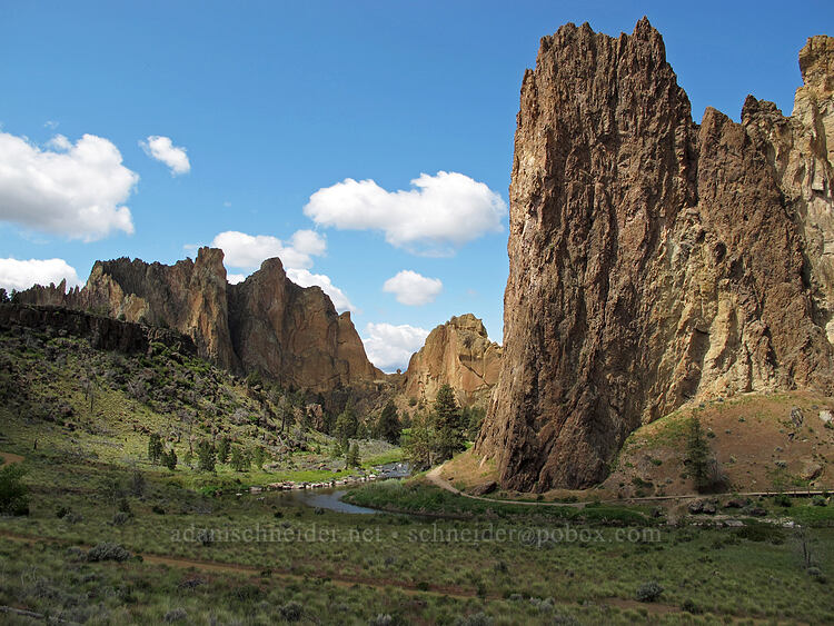 Smith Rock Group & Shiprock [Chute Trail, Smith Rock State Park, Oregon]