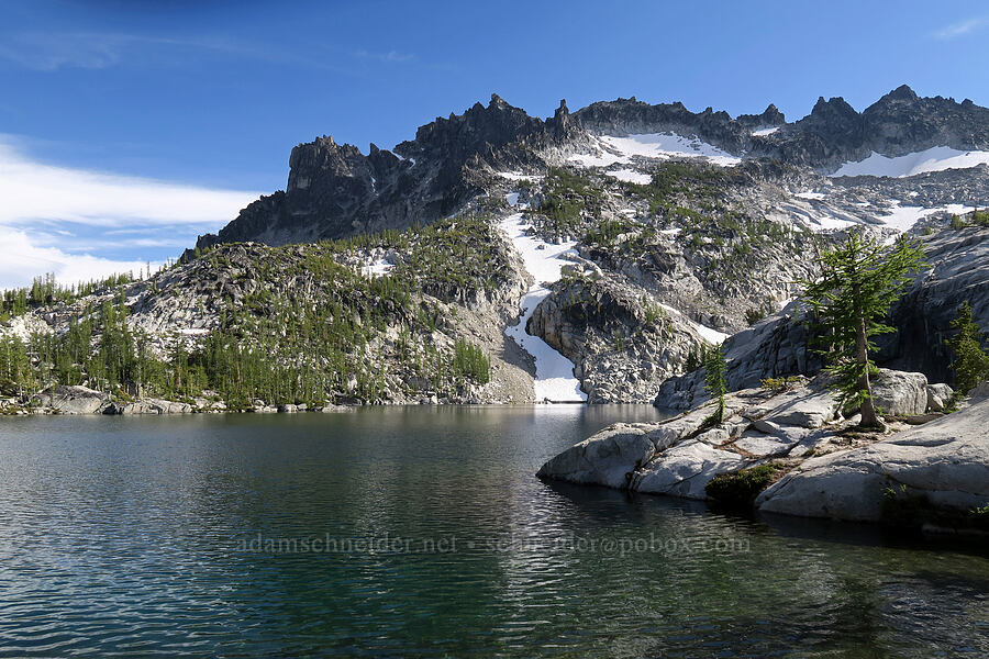 McClellan Peak & Leprechaun Lake [Snow Lakes Trail, Alpine Lakes Wilderness, Washington]