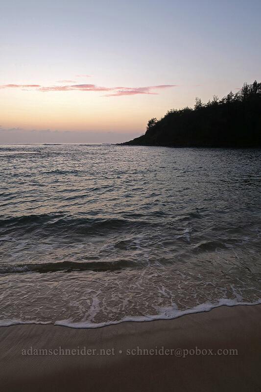 Papa'a Bay before sunrise [Papa'a Bay, Anahola, Kaua'i, Hawaii]