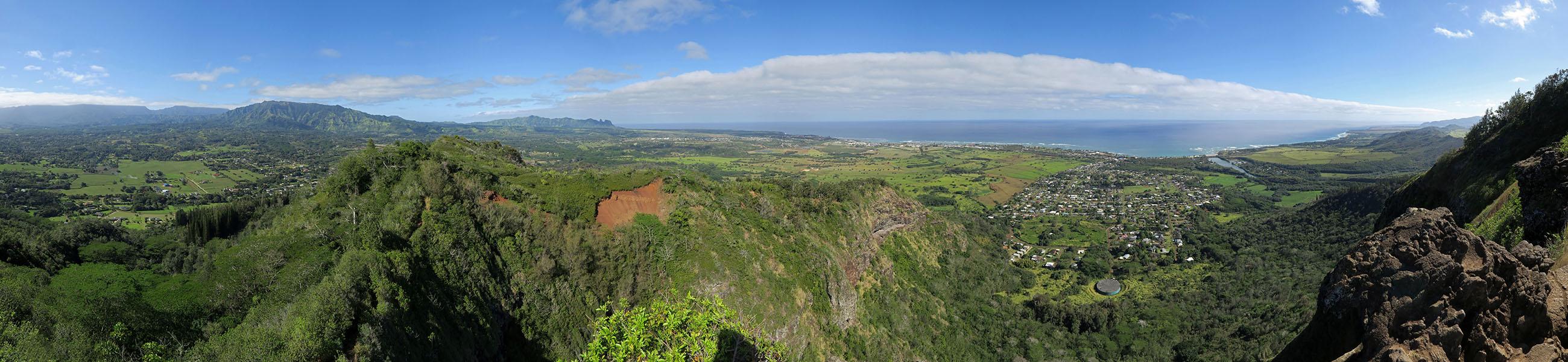 Nounou panorama [Nounou Mountain, Wailua, Kaua'i, Hawaii]