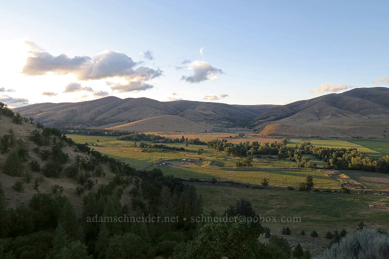 Tygh Valley [Wamic Market Road, Wasco County, Oregon]