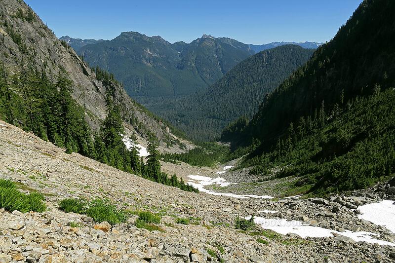Wirtz Basin & Twin Peaks [Sunrise Mine Trail, Morning Star NRCA, Washington]