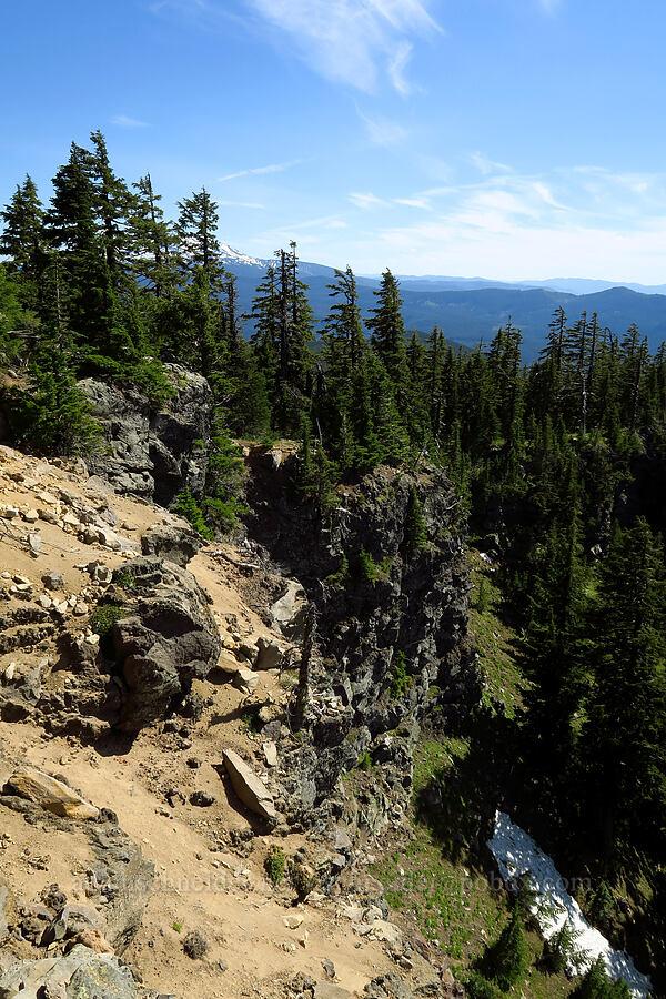 cliffs & snow [Fuji Mountain Trail, Willamette National Forest, Oregon]